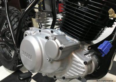 Yamaha-sr-205-2